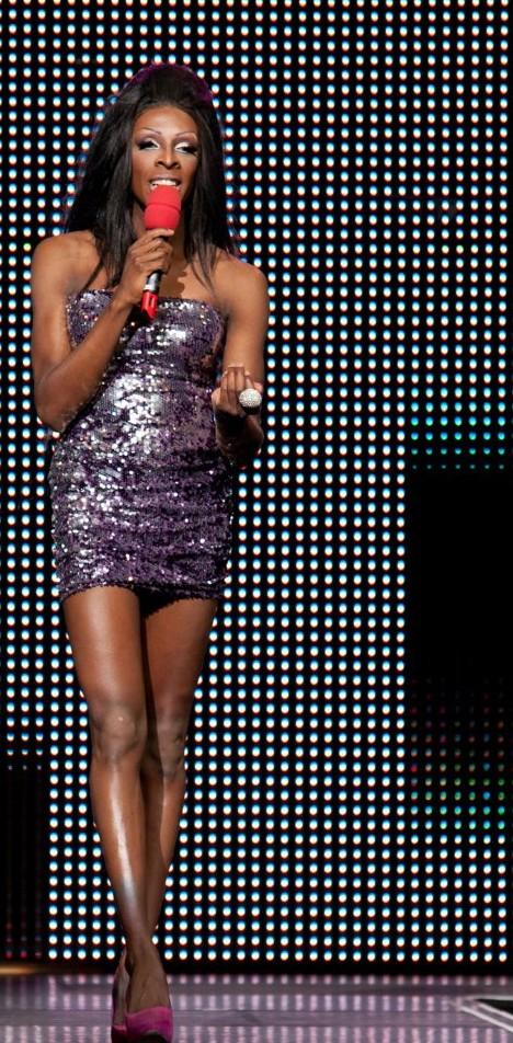 Kelly Presenter