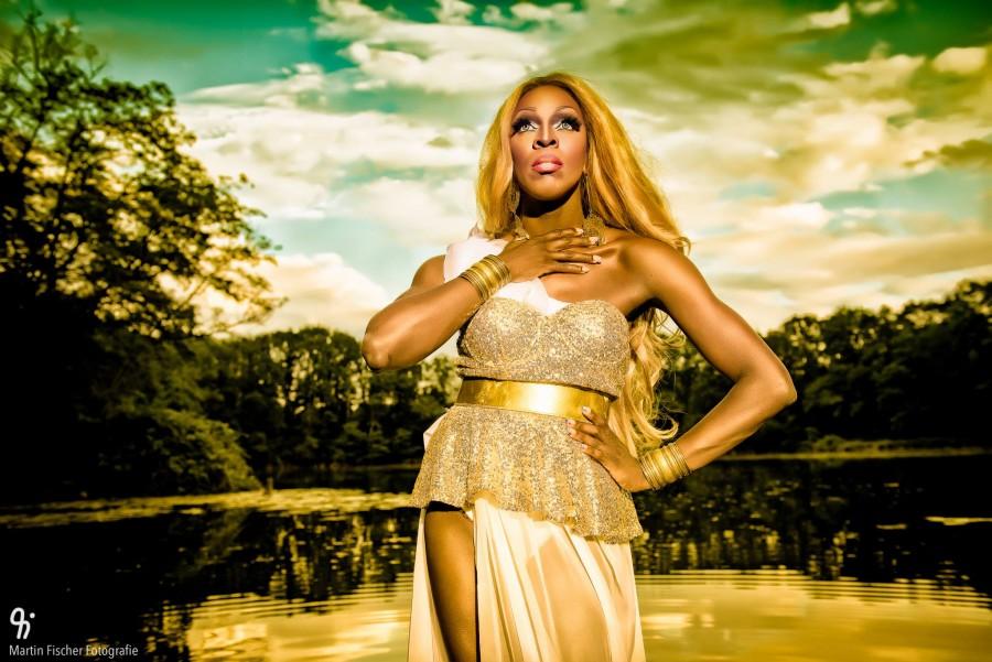 Kelly Goddess Gold